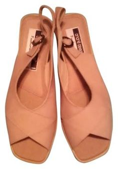 Andre Assous Featherweights Tan Sandals