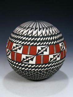 Large Acoma Pueblo Pottery Seed Pot