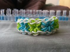 Love this pattern! Starburst Rainbow Loom Bracelet by RainbowLoomLover on Etsy, $4.00