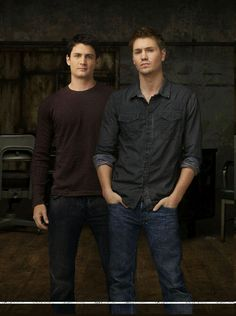 One Tree Hill ~ Nathan * Lucas... oh.. hi.