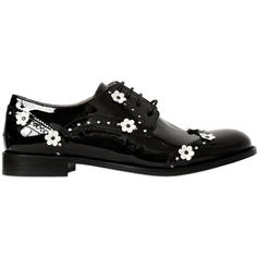 RED VALENTINO 30mm Flowers Appliqué Derby Shoes (308.835 CLP) ❤ liked on Polyvore featuring shoes, oxfords, flats, oxford shoes, leather sole shoes, oxford flats, laced up shoes and flower flats