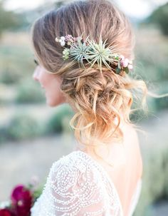 Wedding Hair Accessories - This Organic Jewel Tone Wedding Inspiration from Koman Photography features a burgundy bouquet and a gold bar cart. Side Ponytail Curls, Side Bun Updo, Messy Chignon, Side Curls, Side Braids, Half Updo, Bodas Boho Chic, Corona Floral, Jewel Tone Wedding