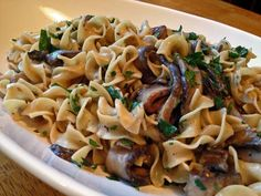 MUSHROOM STROGANOFF WITH GOAT CHEESE (from Alton Brown, Best Thing I Ever Made) Vegetarian Stroganoff, Vegan Mushroom Stroganoff, Stroganoff Recipe, Beef Stroganoff, Goat Cheese Recipes, Vegan Dinners, Alton Brown, Vegetarian Recipes, Vegetarian Casserole