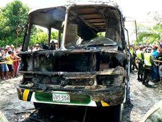 Explosão de ônibus mata 33 crianças que voltavam da igreja