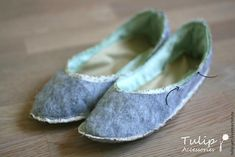 Sew Cute Slippers for Home with Your Own Hands, фото № 17 Sewing Slippers, Cute Slippers, Leather Working, Sewing Projects, Toms, Dance Shoes, Footwear, Sneakers, Ballerina Shoes