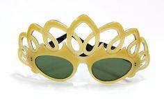 $895.00 Vintage Paulette Guinet Pearl Gilt Pierced Tiara Cat Eye Sunglasses Circa 1950 | eBay