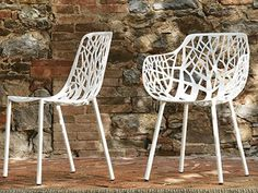 Stackable aluminium garden chair Forest Collection by FAST Contemporary Outdoor Furniture, Contemporary Dining Chairs, Contemporary Garden, Garden Chairs, Garden Furniture, Small Living Room Chairs, Dining Room, Patterned Chair, Eames Chairs