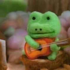 Cute Memes, Funny Memes, Hello Memes, Cartoon Profile Pictures, Cute Frogs, Frog And Toad, Wholesome Memes, Meme Faces, Reaction Pictures