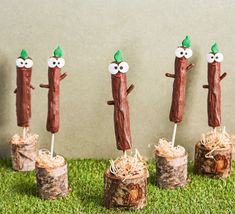Get the kids to help out with making these chocolate stick biscuits. They're easy and fun to decorate exactly like the character from Hey Duggee 2 Birthday Cake, 3rd Birthday Parties, Baby Birthday, Birthday Celebrations, Chocolate Sticks, Chocolate Pies, Chocolate Biscuits, Second Birthday Ideas, Bbc Good Food Recipes