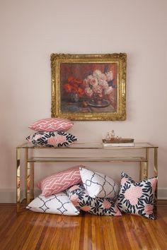 Gorgeous pillows.