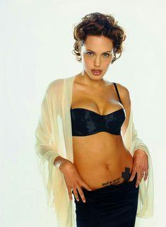 Angelina Jolie ✾