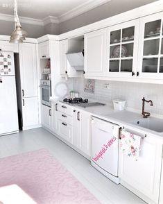 - Beyaz Mutfak Dolapları, Beyaz Mutfak Modeli Tadilat… White Kitchen Cabinets, White Kitchen Model Renovations … – # Cabinets the - Cabnits Kitchen, White Kitchen Cabinets, New Kitchen, Kitchen Decor, Cocinas Kitchen, Rustic Kitchen Design, Kitchen Models, Küchen Design, Model Homes