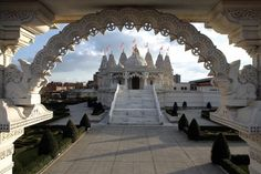 BAPS Shri Swaminarayan Mandir, Europe's first traditional Hindu temple