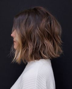 Cute bob hairstyles for women you will love Lob Haircut bob Bobhairstyles BobHairstylesmedium Cute hairstyles love women Cute Bob Haircuts, Cute Bob Hairstyles, Hairstyles For Round Faces, Hairstyles 2018, Bob Hairstyles How To Style, Thick Bob Haircut, Woman Hairstyles, Haircut Short, Medium Bob Hairstyles
