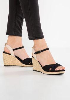 48eae2ae07bb4 Chaussures Pepe Jeans SHARK - Sandales compensées - black noir  60,00 € chez
