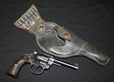 COLT POLICE POSITIVE REVOLVER IN .32 NEW POLICE CAL, ca.1920 with swivel holster