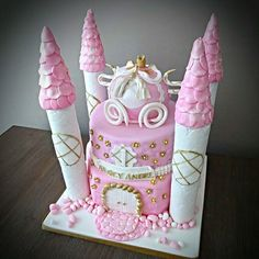 #maaikestaart #kasteel #kasteeltaart #handgemaaketaart #handmade #taartsneek #pink #pinkcake #koets - maaikestaart_sneek