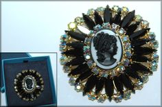 Juliana DeLizza & Elster Black & White Cameo Brooch Pin Hard to find Book Piece #JulianaDeLizzaElster