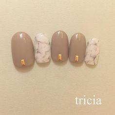 Uñas nude con efecto marmol (@yunanakanishi)