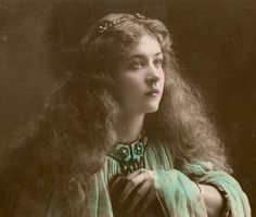 Photo collection of early XX century Vintage Postcards of actress Miss Maude Fealy Maude Fealy - was an American stage and silent film a Antique Photos, Vintage Pictures, Vintage Photographs, Vintage Images, Old Photos, Vintage Postcards, French Postcards, Timeless Beauty, Classic Beauty