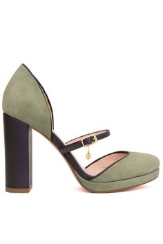 Heeled Mules, Retro, Shoes, Fashion, Green, Moda, Zapatos, Shoes Outlet, Fashion Styles