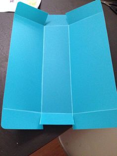 Example of using a plastic cutting board as a inside liner, the folds