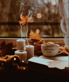 Autumn Tale, Autumn Room, Autumn Aesthetic, Brown Aesthetic, Cute Fall Wallpaper, Winter Coffee, Coffee And Books, Autumn Photography, Fall Pictures