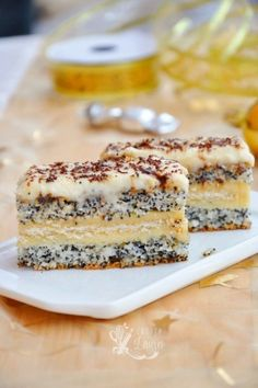Prajitura Tosca | Casuta Laurei Romanian Desserts, Romanian Food, Sweets Recipes, Cookie Recipes, Good Food, Yummy Food, Dessert Bread, Pastry Cake, Yummy Cookies
