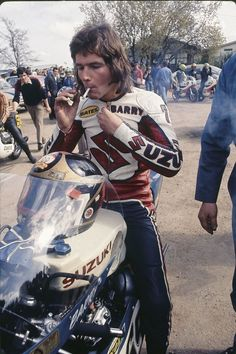Barry Sheen - Same warm up procedure as hero Keke Rosberg hadYou can find Ducati and more on our website.Barry Sheen - Same warm. Motorcycle Racers, Racing Motorcycles, Grand Prix, Course Moto, Gp Moto, Japanese Motorcycle, Isle Of Man, Street Bikes, Champions