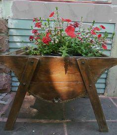 . Container Flowers, Container Plants, Container Gardening, Garden Junk, Love Garden, Wooden Planters, Vintage Planters, Rustic Gardens, Outdoor Gardens