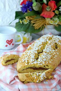 La ciambella bolognese è un dolce tradizionale da dispensa che viene preparato in tutta l'Emilia Romagna; è conosciuta anche come bensone o brazadela.