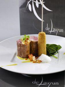 Filet Migon De Porc, Sous Vide Filet Mignon, Chefs, Kouign Amann, Fine Dining, Coco, Food Art, Baked Potato, Food And Drink