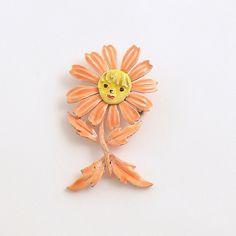 Vintage Brooch Metal Anthropormophic Flower   efinegifts
