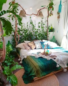 Charming Bohemian Home Interior Design Ideas (With images) Dream Rooms, Dream Bedroom, Bedroom Green, Jungle Bedroom, Forest Theme Bedrooms, Forest Bedroom, Bohemian Bedroom Decor, Bohemian Room, Boho Style Decor