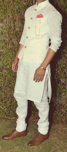 121 Indian Groom Wear Ideas for Unforgettable Memories - VIs-Wed Mens Indian Wear, Mens Ethnic Wear, Indian Groom Wear, Indian Men Fashion, Mens Fashion Suits, Mens Wedding Wear Indian, Mens Suits, Wedding Dresses Men Indian, Wedding Dress Men