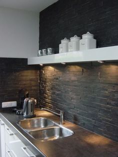 Stone in Kitchen Stone Kitchen, Kitchen Dinning, Kitchen Backsplash, Dining Room, Black Kitchens, Home Kitchens, Dark Gray Backsplash, Kitchen Interior, Kitchen Design