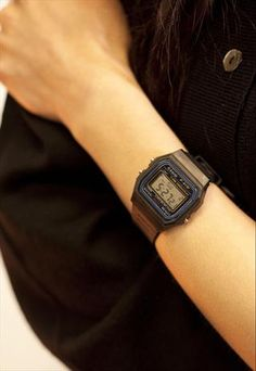 1980's Retro Casio Watch Black