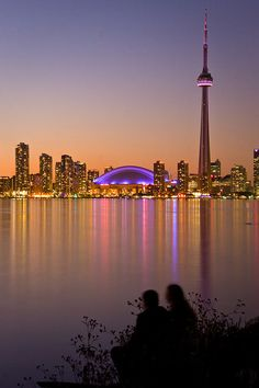 Beautiful photo of our lovely city Toronto Ontario, Tour Cn, Places To Travel, Places To See, Wonderful Places, Beautiful Places, Beautiful Flowers, Places Around The World, Around The Worlds
