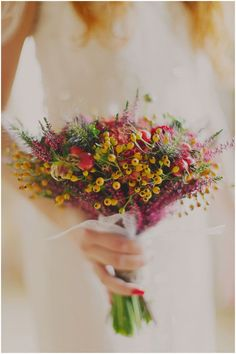 Beautiful bouquet from an amazing Norwegian wedding by 2 Brides Photography http://norwegianweddingblog.blogspot.no/2013/02/rustikt-norsk-bryllup-fra-harahorn.html