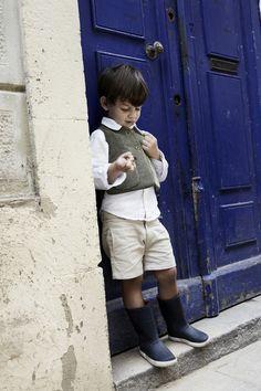 Camisa, chaleco pana y bermuda niño de pepitobychus.  Síguenos en facebook www.facebook.com/pepitobychus