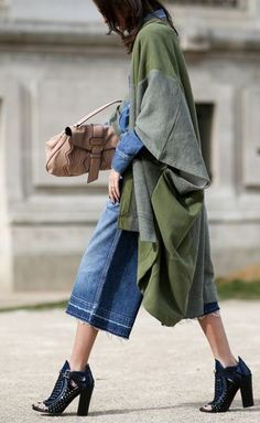 84 Outfit Ideas For Style Extroverts Paris Fashion, Winter Fashion, Street Fashion, Live Fashion, Runway Fashion, Autumn Street Style, Street Chic, Green Street, Use E Abuse