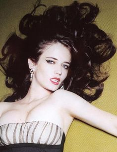 Image uploaded by Yelnats. Find images and videos about beautiful, pretty and eva green on We Heart It - the app to get lost in what you love. Eva Green Casino Royale, Bond Girls, Eva Green Boyfriend, Eva Green 300, Actress Eva Green, Ellen Von Unwerth, Doja Cat, French Actress, Beautiful Actresses