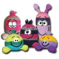 Resteverwertung, free crochet pattern, not in English Crochet Teddy, Crochet Bear, Crochet Patterns Amigurumi, Diy Crochet, Crochet Crafts, Yarn Crafts, Crochet Projects, Crochet Flower Patterns, Crochet Doll Pattern