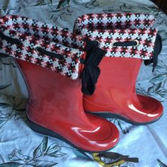 Sperry Top-sider boots Adorable red and plaid top siders. Cute wedge for a feminine look with a tie top. One scratch but in great condition. Ready for adventure! Sperry Top-Sider Shoes Winter & Rain Boots
