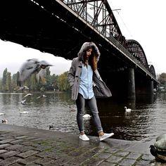 #bridge #doves #girl