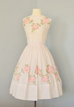 vintage 1950s style floral dress | Magnolia Blushing Dress ...