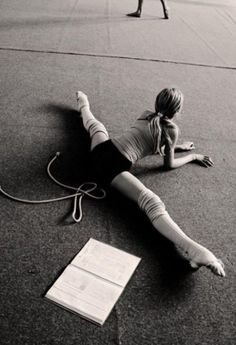 dance splits