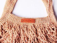 Háčkovaná taška | Korálky.stoklasa.cz Crochet Basket Pattern, Crochet Patterns, Crochet Market Bag, Hippie Chic, Straw Bag, Knit Crochet, Diy And Crafts, Crochet Necklace, Knitting