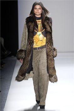 Damaris Lewis - Vogue.it