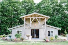 Marianmade Farm is a working lavender and flower farm  and distinctive wedding venue, nestled on the banks of the Sheepscot River, Maine.
